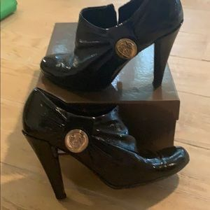 Gucci black patent booties